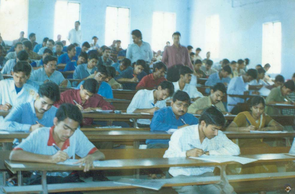 my school essay for 1st class Creative essay: 15 point essay on my school for grade class 1 for school kids and senior students,200,250,500 words, for class 1,2,3,4,5,6,7,8,9,10,11 and 12.
